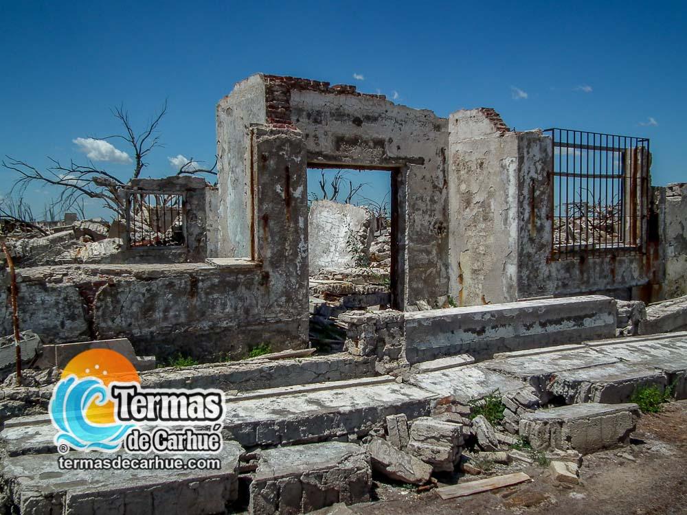Ruinas de la Villa Epecuén en las Termas de Carhué